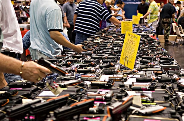 Houston Gun Show at the George R. Brown Convention Center\Commons Wikimedia