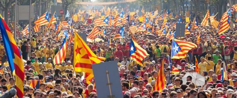 Hiszpania krwawo tłumi zapędy niepodległościowe Katalonii