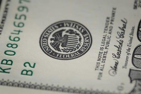 banki centralne obrabowały klasę średnią