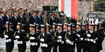 Fot. flickr.com/Kancelaria Premiera/ MON (Wielka Defilada Niepodległości)